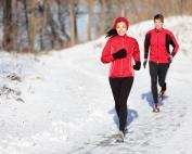 courir en hiver, neige, couple, sport